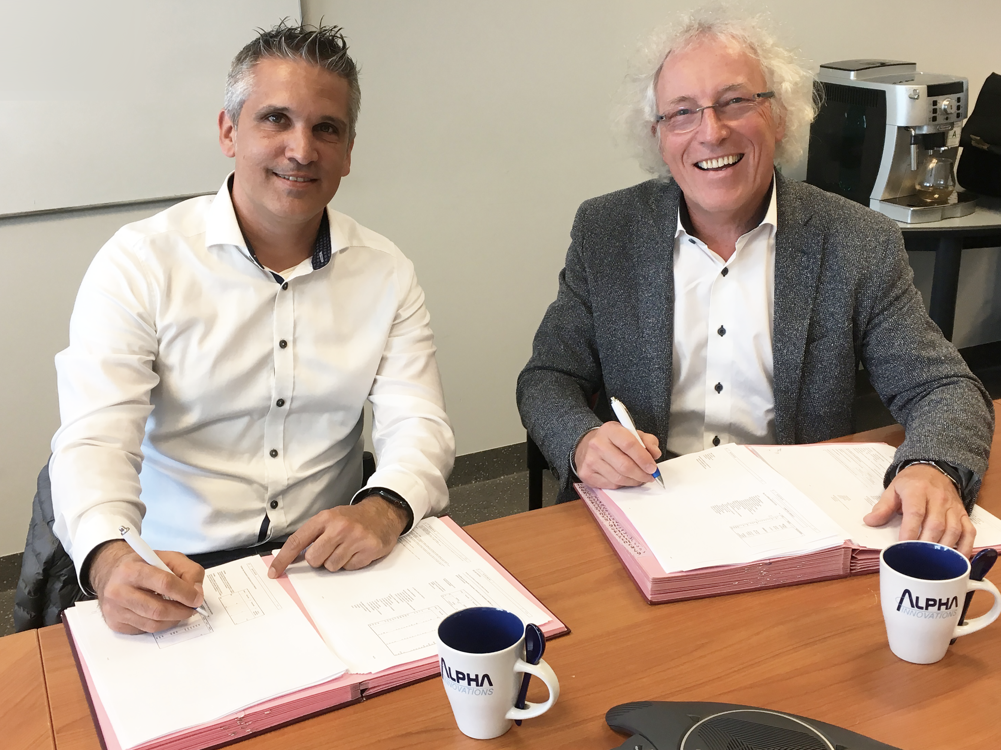 Alberto Méndez Rodriguez, President of the Board of Alpha Innovations and Robert Eyben, CEO of CE+T holding